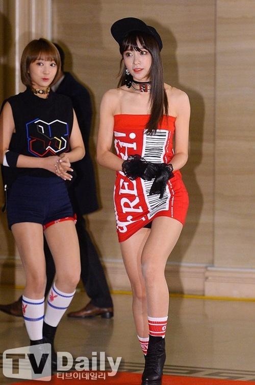 nhung-chiec-vay-khong-the-ngan-hon-cua-idol-nu-kpop-2-2