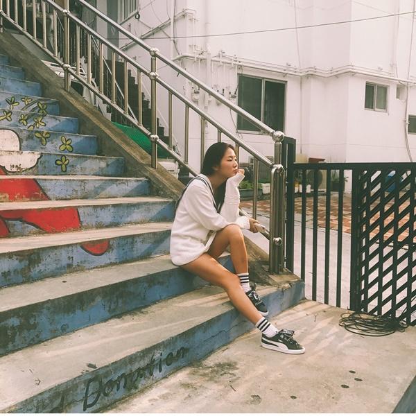 sao-han-7-9-seo-hyun-mac-vay-cuoi-long-lay-sulli-tet-toc-nhu-thieu-nu-5