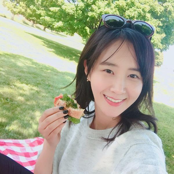 sao-han-12-9-suzy-om-lee-jong-suk-tinh-tu-yoon-ah-vay-trang-yeu-dieu-7