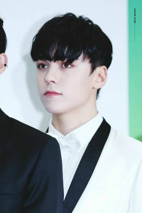 10-idol-nam-co-visual-than-thanh-khong-ai-co-the-phu-nhan-9