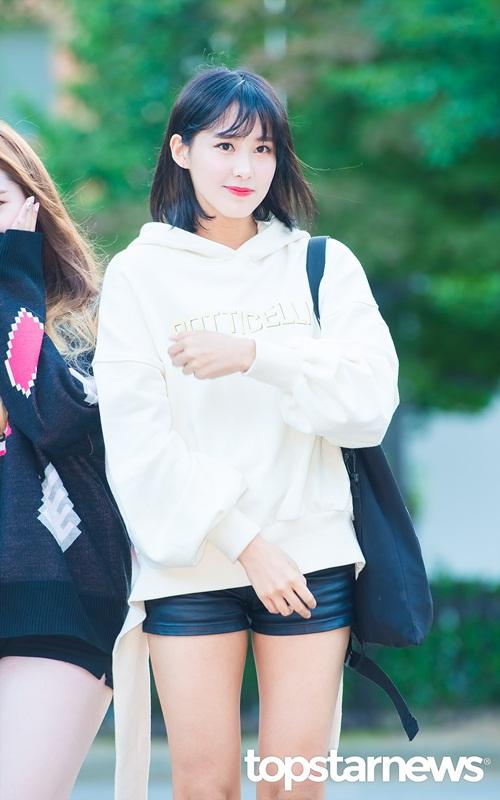 exo-va-dan-my-nhan-kpop-khoe-style-ngay-dau-thu-6