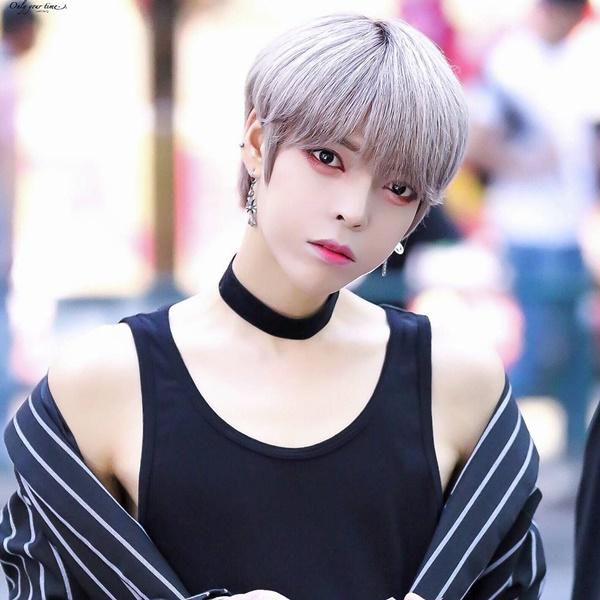 thanh-vien-boygroup-kpop-gay-hoang-mang-vi-dien-mao-qua-nu-tinh-2-4