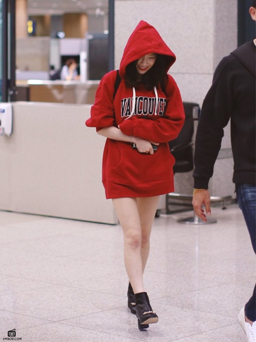 jennie-xue-xoa-bat-ngo-tae-yeon-di-giay-don-o-san-bay-2