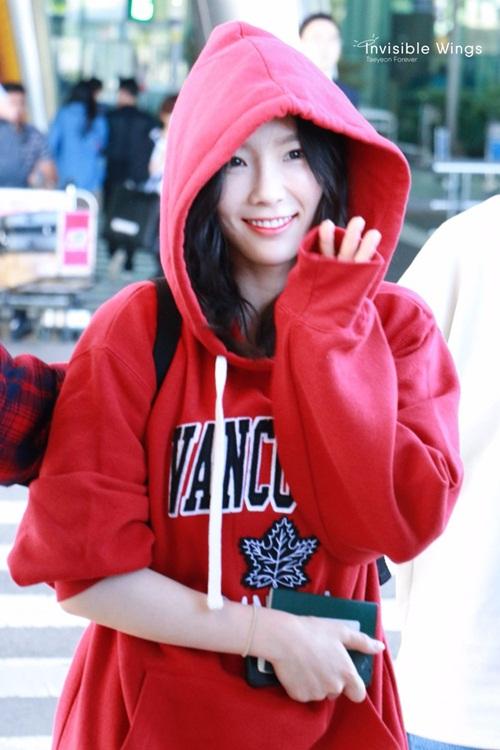 jennie-xue-xoa-bat-ngo-tae-yeon-di-giay-don-o-san-bay-3