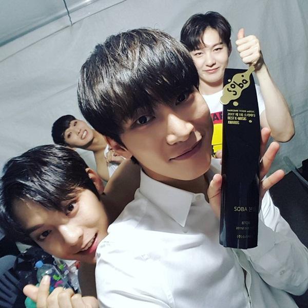 sao-han-21-9-suzy-mat-moc-xinh-dep-na-yeon-dang-yeu-nhu-tho-con-2