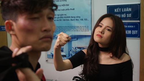 phanh-lee-co-hoa-si-dang-tung-hoanh-voi-vai-vu-cong-sexy-dance