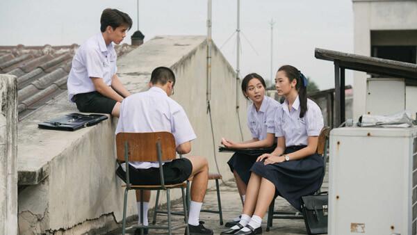 dong-phuc-nu-sinh-xinh-yeu-trong-7-phim-hoc-duong-thai-3