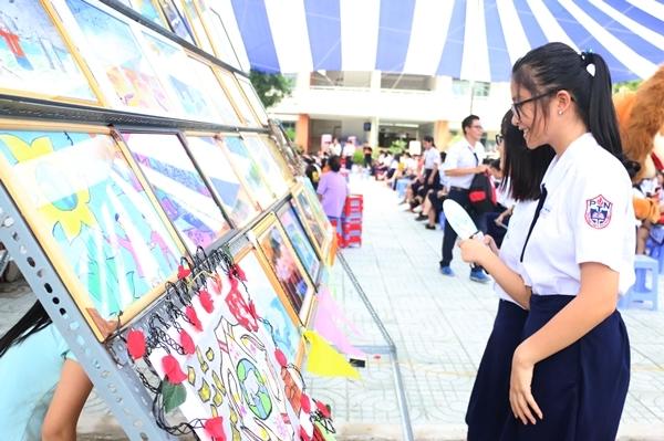teen-phu-nhuan-nhay-flashmob-chat-lu-keu-goi-ngung-su-dung-sung-te-giac-10