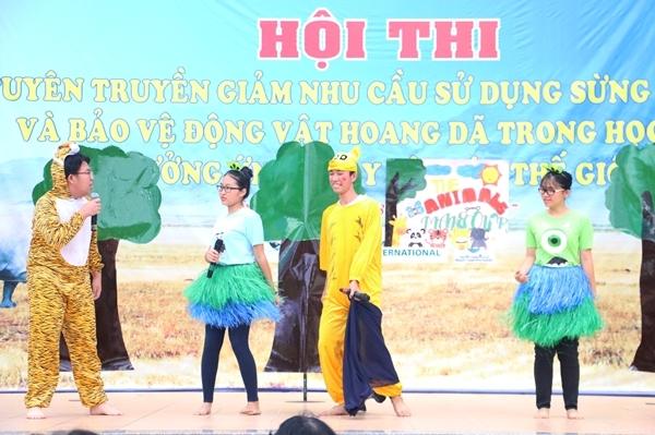 teen-phu-nhuan-nhay-flashmob-chat-lu-keu-goi-ngung-su-dung-sung-te-giac-9