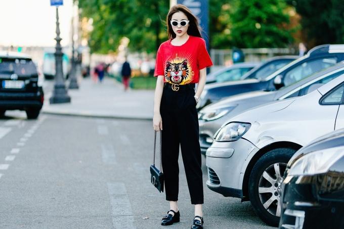<p> Hình ảnh street style mà cô hướng đến là cá tính, thời thượng, thoải mái khi xuống phố.</p>