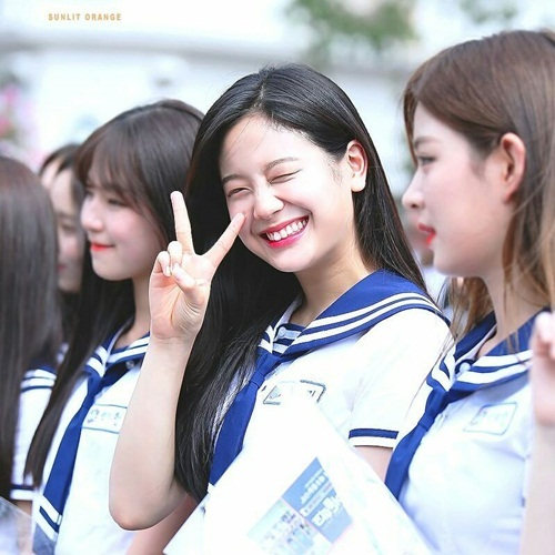 9-idol-nu-duoc-debut-thong-qua-cuoc-thi-chi-nhin-mat-khong-xet-tai-nang-2-6