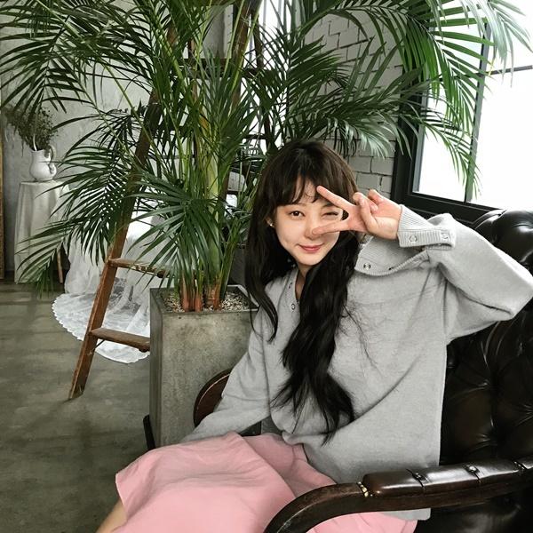 sao-han-1-10-seo-hyun-duoc-my-nam-phuc-vu-iu-gian-di-van-xinh-2-2