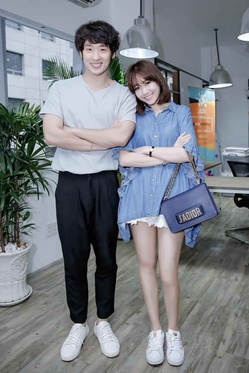hari-won-tre-trung-nhu-gai-18-di-tap-thoai-cho-phim-1