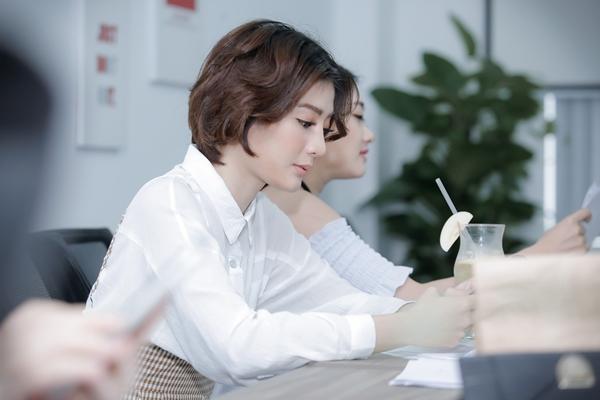 hari-won-tre-trung-nhu-gai-18-di-tap-thoai-cho-phim-5