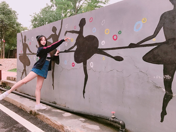 sao-han-8-10-hyo-min-khoe-body-boc-lua-ji-min-aoa-mat-nhu-thm-my-hong-3