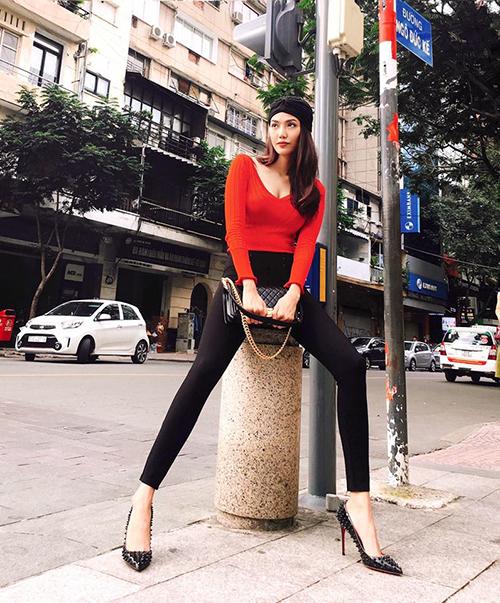 sao-viet-9-10-mac-hong-quan-khoe-con-trai-khau-khinh-lan-khue-chan-dai-khong-tuong