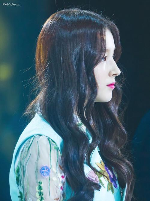 10-idol-co-goc-mat-nghieng-chun-muc-xung-danh-nu-than-1