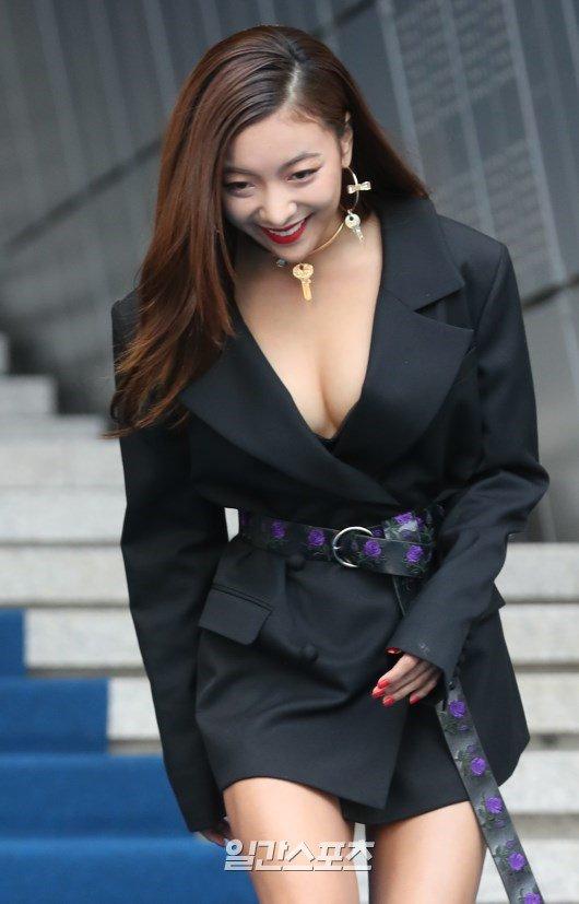 tuan-le-thoi-trang-seoul-sao-han-bi-nghi-dung-dao-keo-co-y-lo-vong-1-9