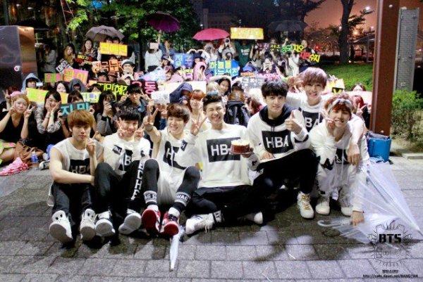netizen-choang-khi-so-sanh-bts-trong-concert-dau-tien-va-gan-day-3
