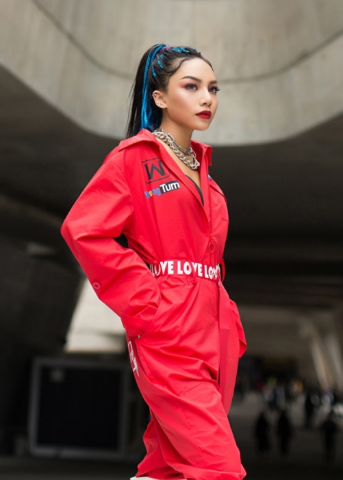 vu-thao-my-xuat-hien-tren-vogue-du-lan-dau-den-seoul-fashion-week-8