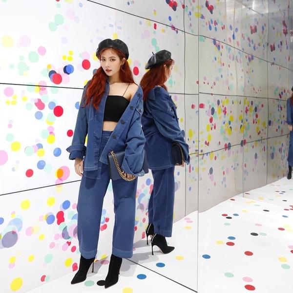 sao-han-19-10-suzy-makeup-nhe-nhu-khong-yeri-red-velvet-mat-bien-sac-2