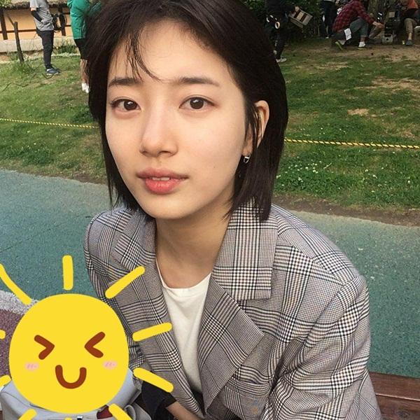 sao-han-19-10-suzy-makeup-nhe-nhu-khong-yeri-red-velvet-mat-bien-sac