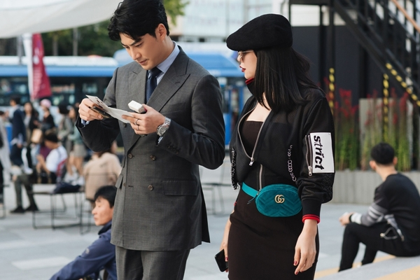 tra-ngoc-hang-tinh-tu-voi-dien-vien-k2-tai-seoul-fashion-week-3