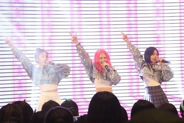 hari-won-hat-nhay-hit-t-ara-khien-fan-phat-cuong-6