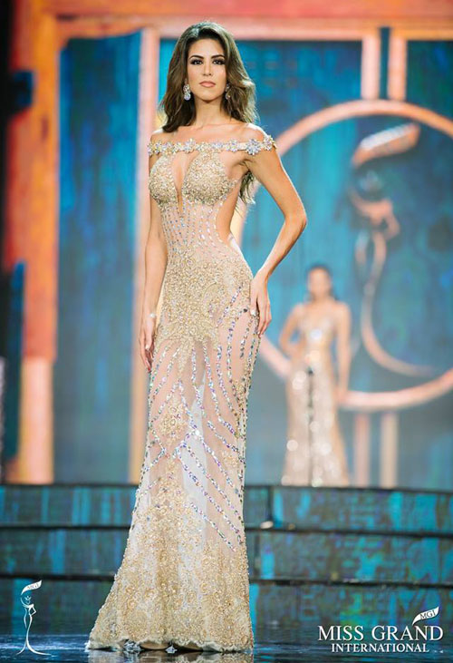 ve-nong-bong-cua-nguoi-dep-len-ngoi-miss-grand-international-2017-2