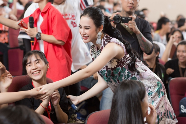 angela-phuong-trinh-tiet-lo-ban-trai-phai-chat-va-dan-ong-nhu-huu-vi-3