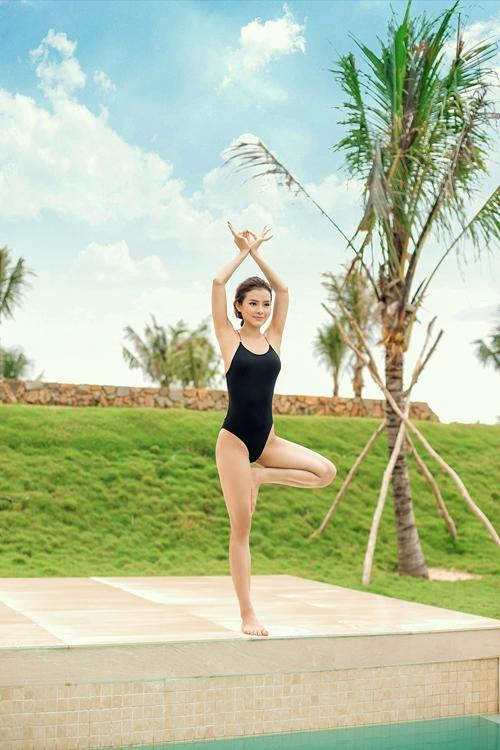 phuong-trinh-jolie-dien-bikini-khoe-duong-cong-tao-bao-8