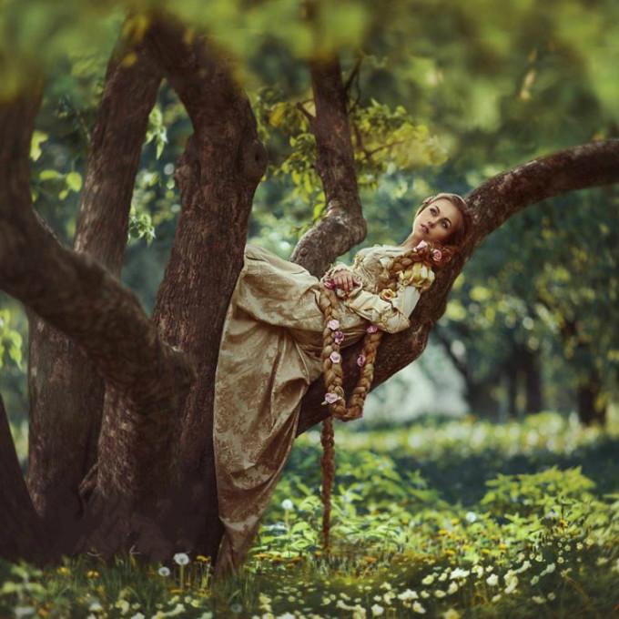 """<p> """"Công chúa tóc mây"""" Rapunzel đẹp tựa thiên thần.</p>"""