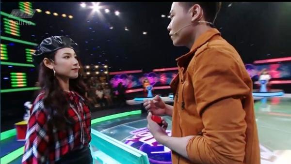 lan-dau-gap-mat-trai-dep-bao-dan-mang-nhan-cau-hon-hot-girl-1