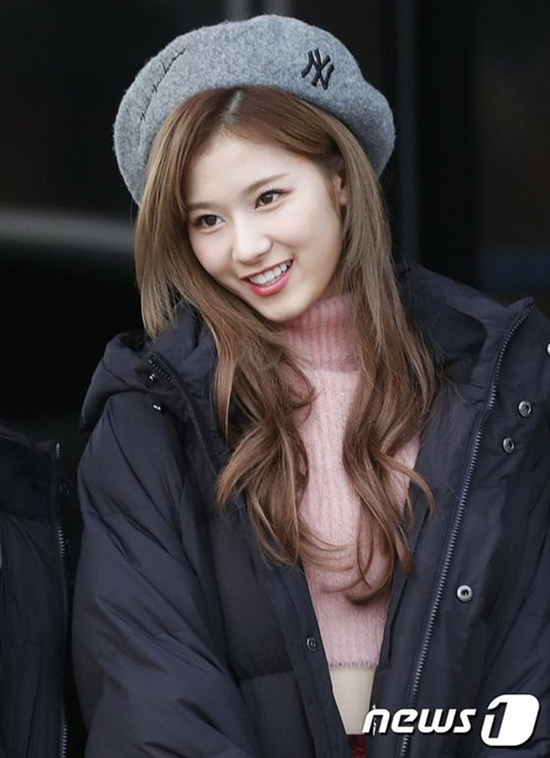 twice-ho-eo-giua-troi-lanh-red-velvet-chat-lu-o-san-bay-6