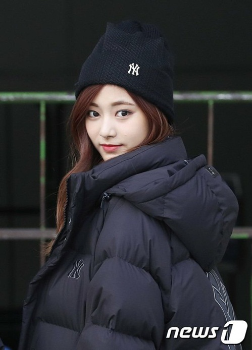 twice-ho-eo-giua-troi-lanh-red-velvet-chat-lu-o-san-bay