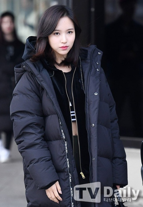 twice-ho-eo-giua-troi-lanh-red-velvet-chat-lu-o-san-bay-4