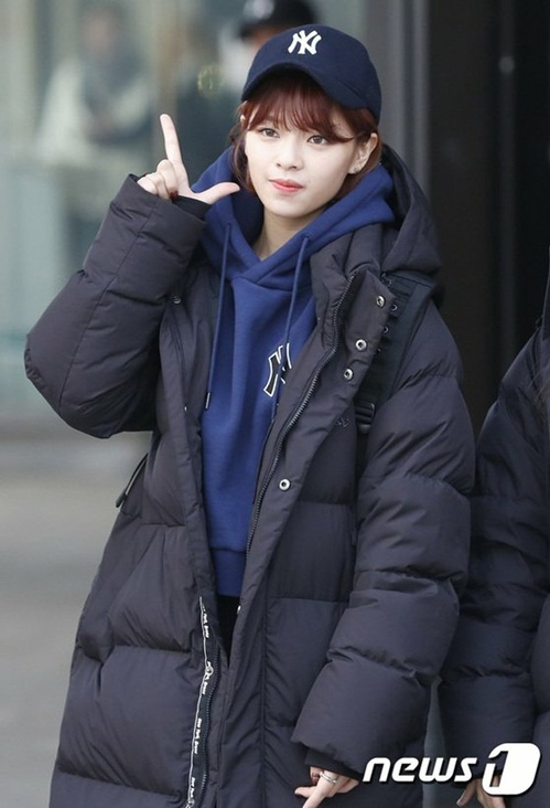 twice-ho-eo-giua-troi-lanh-red-velvet-chat-lu-o-san-bay-5