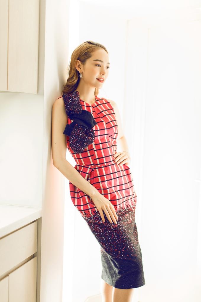 <p> NTK Phương My được lựa chọn là gương mặt Việt duy nhất có show trình diễn. Cô chọn Minh Hằng là người đồng hành suốt chương trình.</p>