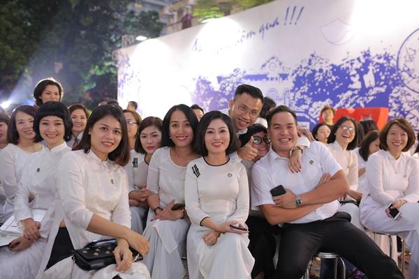 Đây cũng là một trong những hoạt động của trường THPT Trần Phú (Hà Nội) tổ chức, nhắm hướng đến ngày Nhà giáo Việt Nam 20/11.