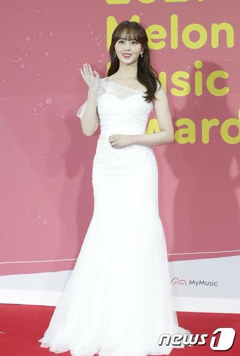Kim So Hyun tỏa sáng với nhan sắc rạng ngời ở tuổi trưởng thành.