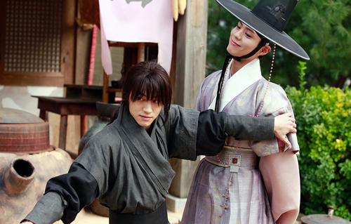 nhung-cap-nam-nam-lan-at-chuyen-tinh-nam-nu-trong-drama-han-4