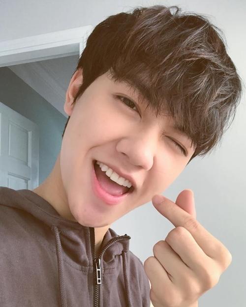 hot-boy-dang-gay-thuong-nho-voi-loat-cover-hit-vpop-7