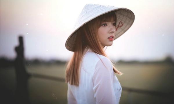 nhung-hot-girl-ngoai-quoc-hat-tieng-viet-hot-nhat-facebook-2