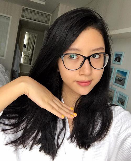 3-hot-girl-viet-co-da-moc-cang-bong-chang-kem-con-gai-han-8