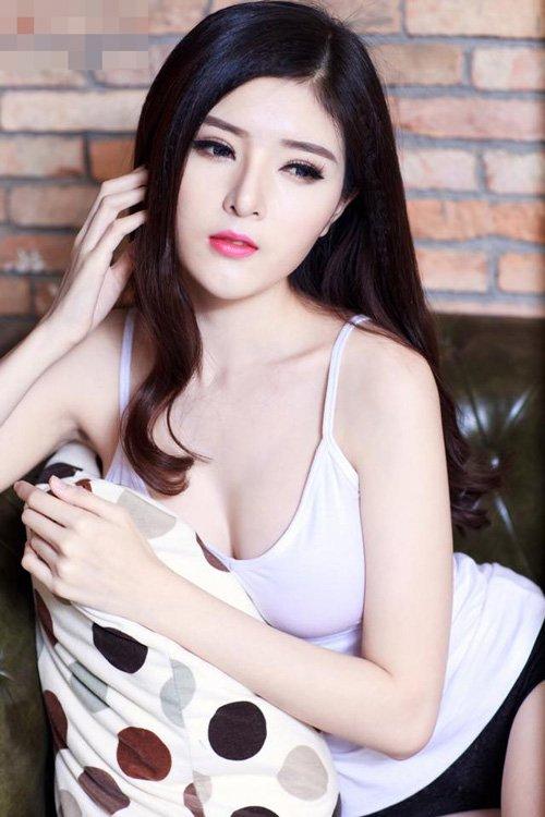 5-gai-xinh-noi-tieng-hon-nho-dong-mv-cua-chi-dan-13
