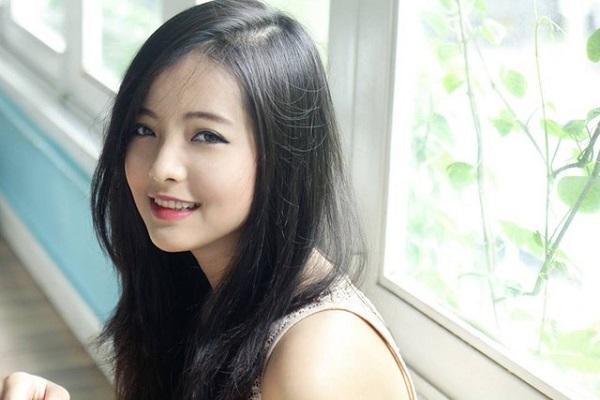 5-gai-xinh-noi-tieng-hon-nho-dong-mv-cua-chi-dan-3