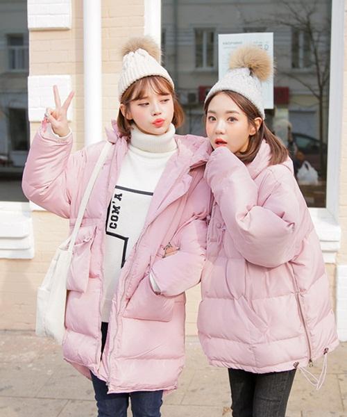 loat-idol-han-dua-nhau-sam-ao-phao-to-su-mau-hong-cuc-cute