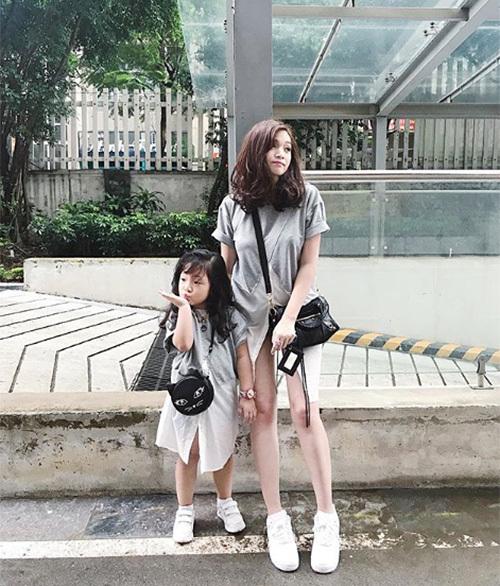 3-cap-me-hot-girl-con-sanh-dieu-gay-sot-nhat-2017-4