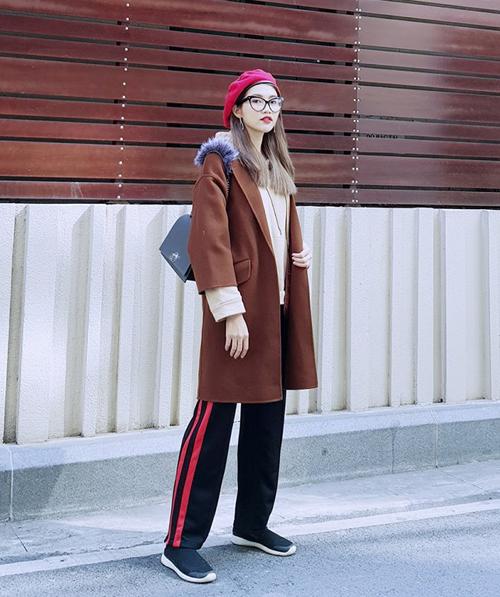 Đủ kiểu áo khoác sành điệu của sao Việt khi xuống phố tuần qua