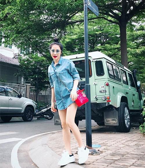 Qua thời dùng hàng fake, Hòa Minzy giờ đã thành mỹ nhân hàng hiệu